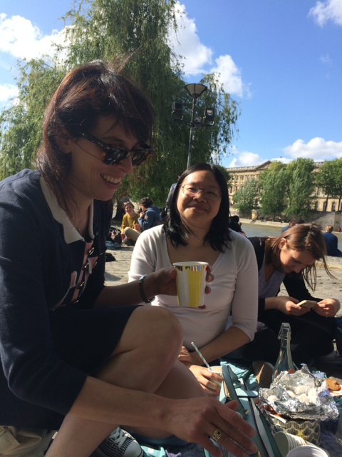 Marie, Francesca and Justine at the Square du Vert-Galant